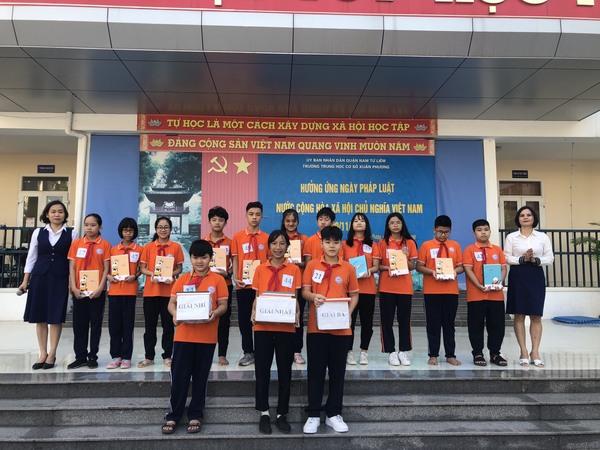 Trường THCS Xuân Phương hưởng ứng ngày Pháp luật nước Cộng hòa xã hội chủ nghĩa Việt Nam 9/11